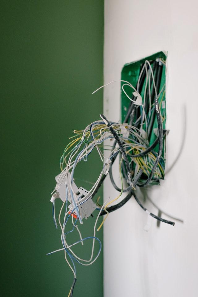 Het inschakelen van een installatiebureau